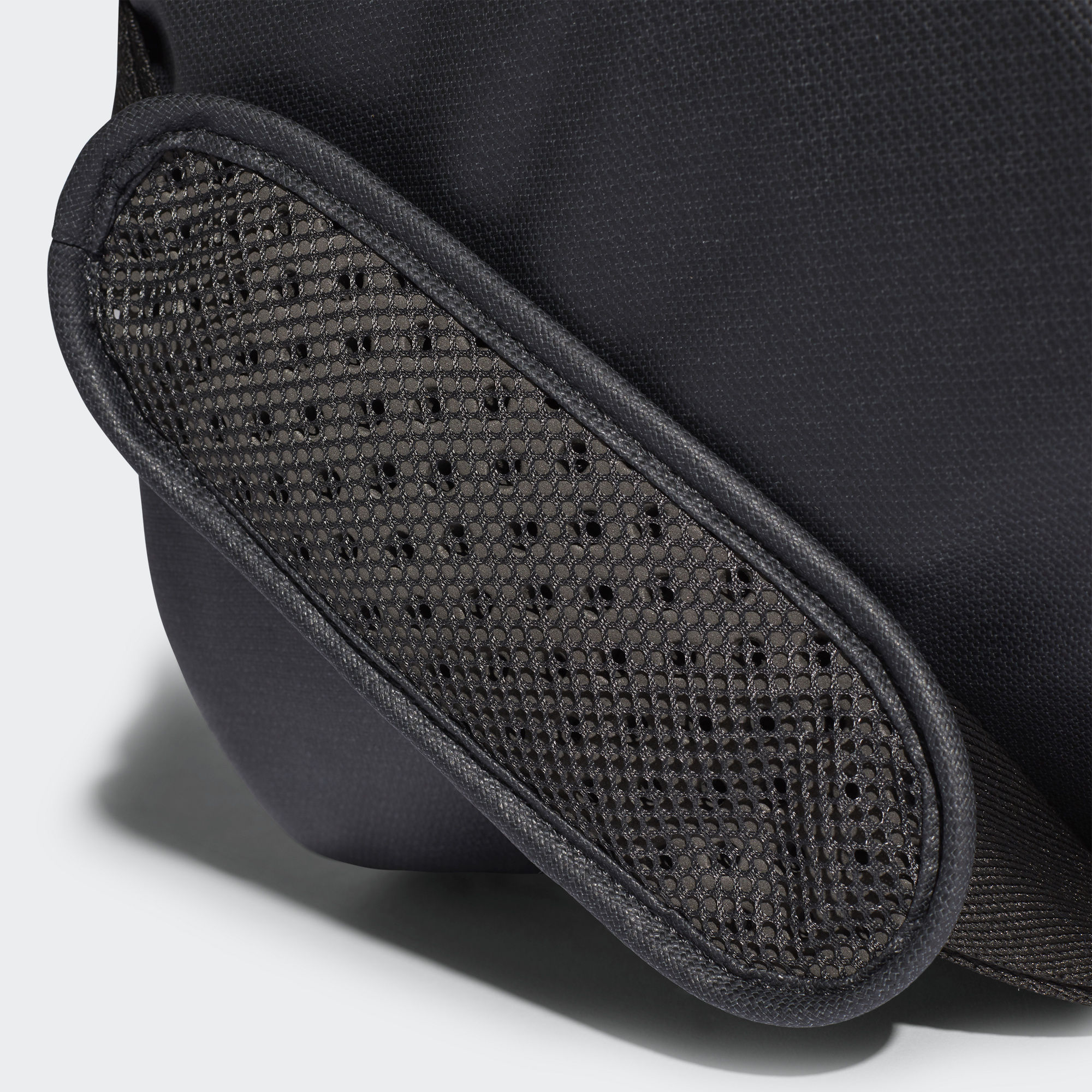 cab59a8d311f Спортивная сумка Convertible Training CW0115 adidas Performance ...